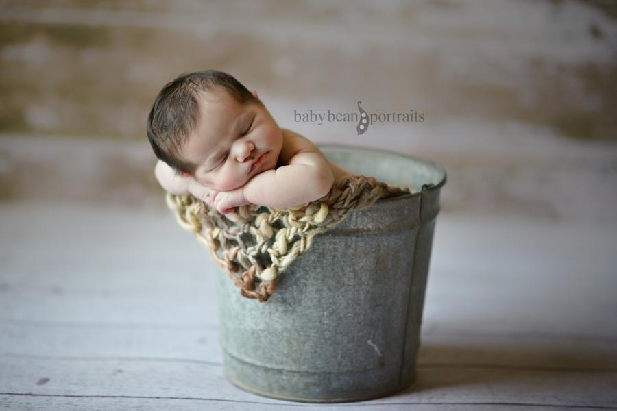 Tiny Baby, Tiny Tin